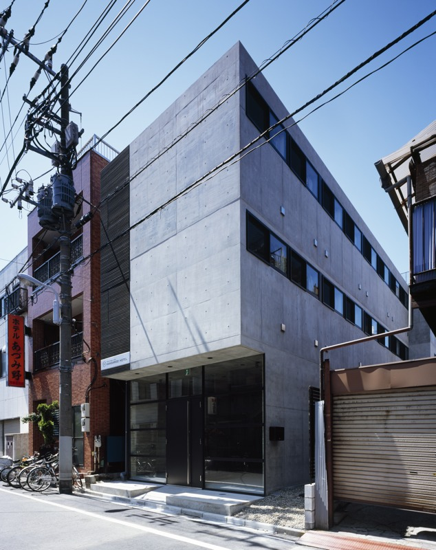 Kangaroo Hotel / APOLLO Architects &amp; Associates