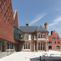 Brentwood School Study Centre and Auditorium / Cottrell &Vermeulen Architecture © Paul Riddle