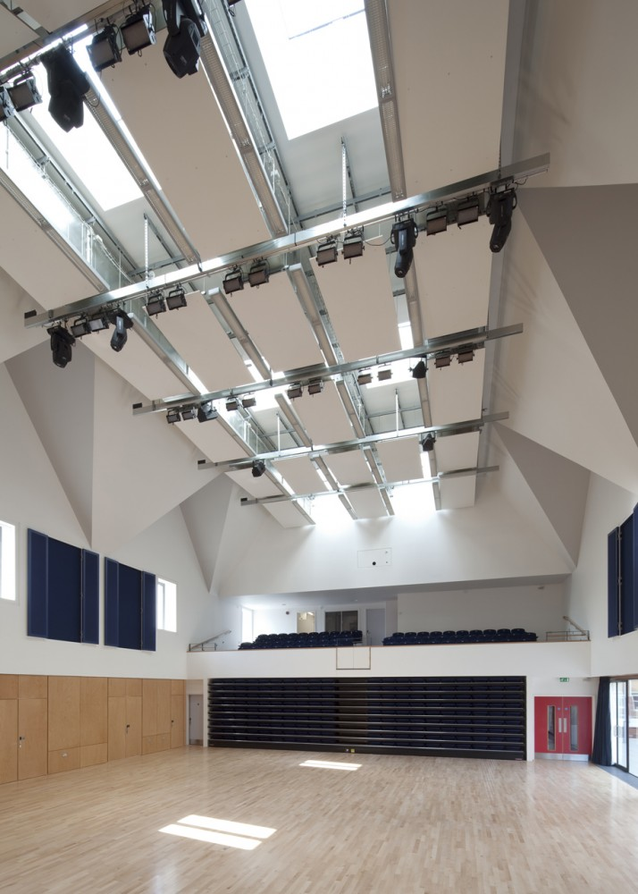 Brentwood School Study Centre and Auditorium / Cottrell & Vermeulen Architecture