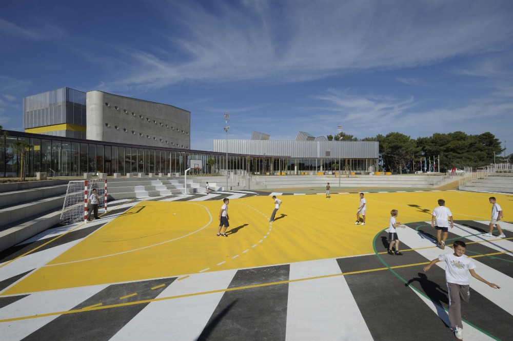Veli VRH Elementary School / Randic Turato