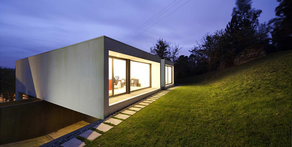 Private House In Barcelos / Rui Grazina