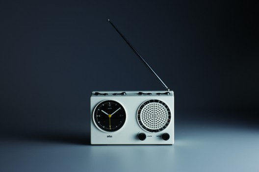 Dieter Rams, Braun clock radio (ABR 21 signal radio), 1978; design: Dieter Rams and Dietrich Lubs, photo: Koichi Okuwaki