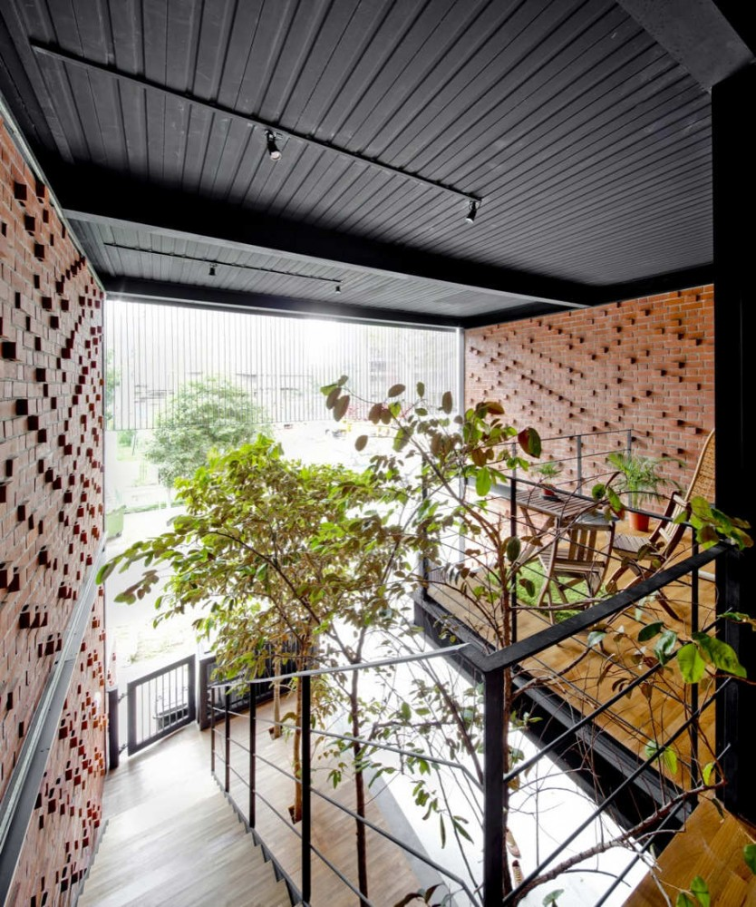 36 BTrd / DP Architects