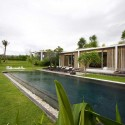 Tantangan Villa / Word of Mouth Architecture © MochSulthonn
