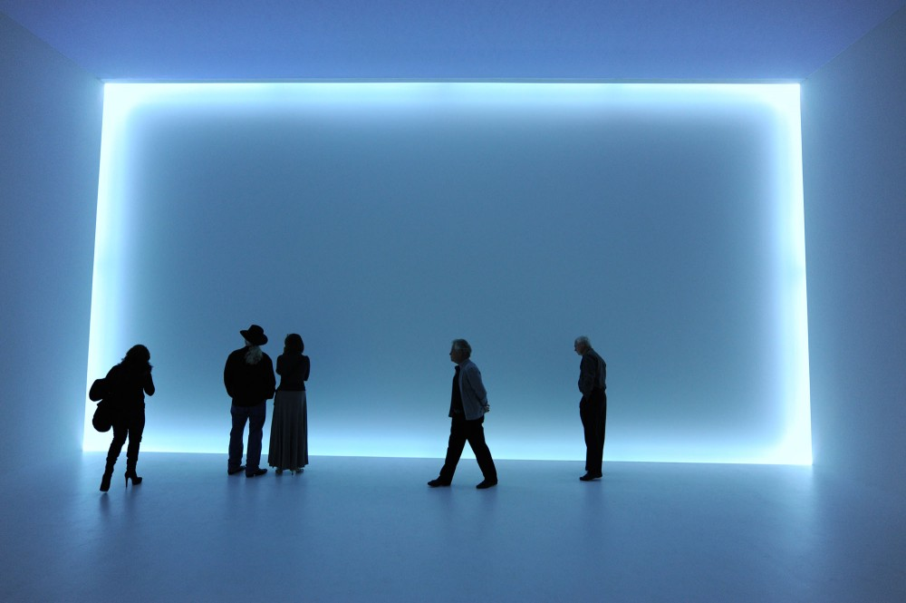 Phenomenal: California Light, Space, Surface at the Museum of Contemporary Art San Diego