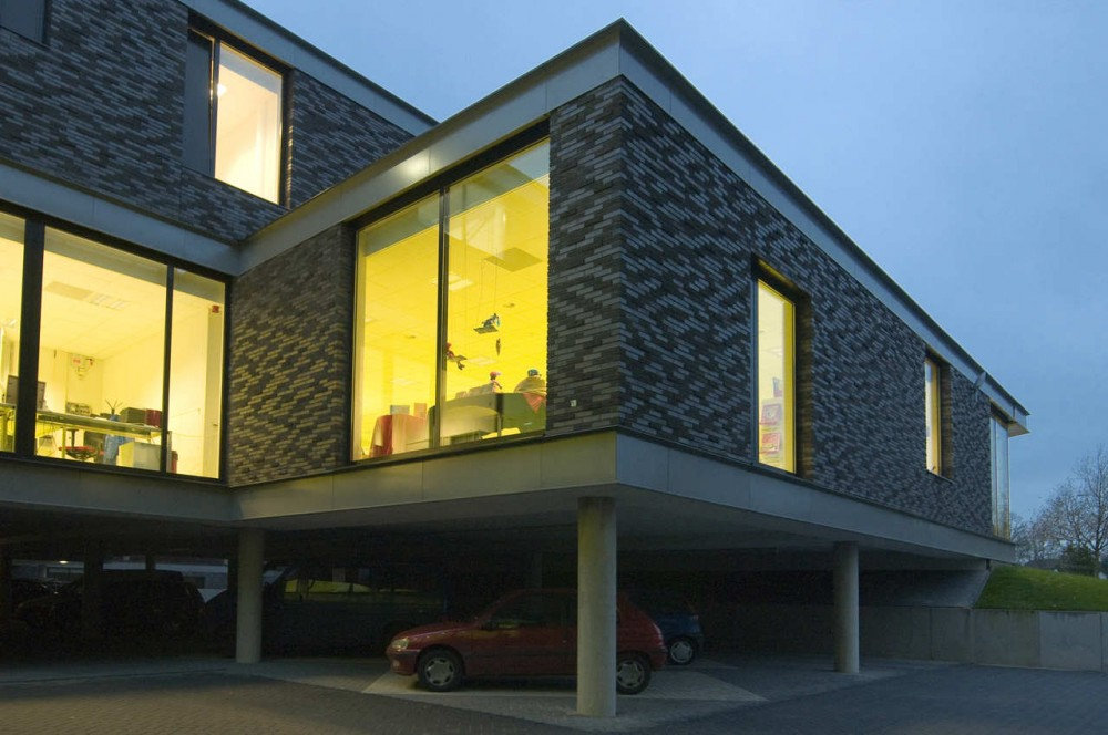 Multifunctional Building / BDG Architects