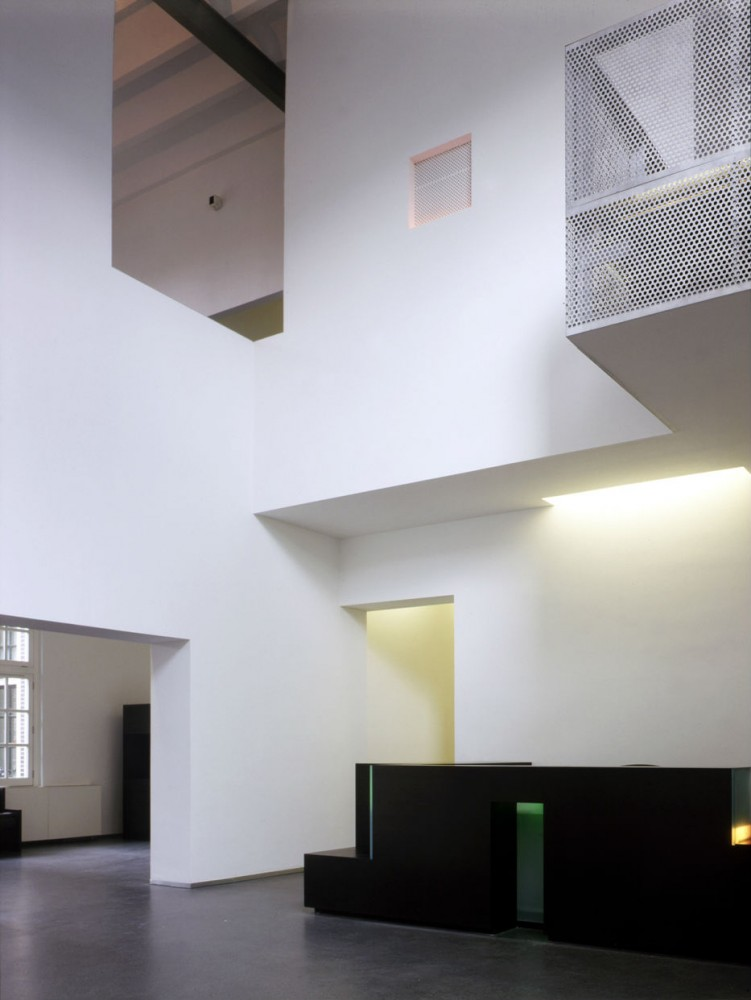 Flashback: Sarphatistraat Offices / Steven Holl Architects