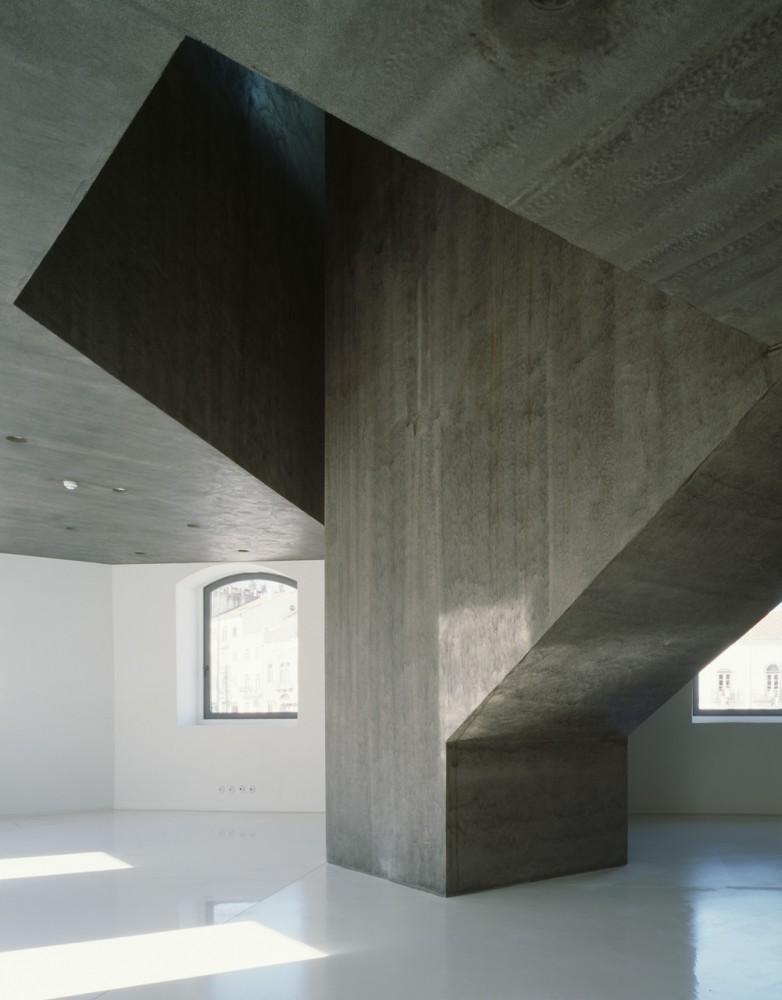 Casa dos Cubos / EMBAIXADA arquitectura (18) Courtesy of EMBAIXADA arquitectura