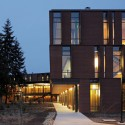 Maier Hall / Schacht Aslani Architects (16) © Doug Scott