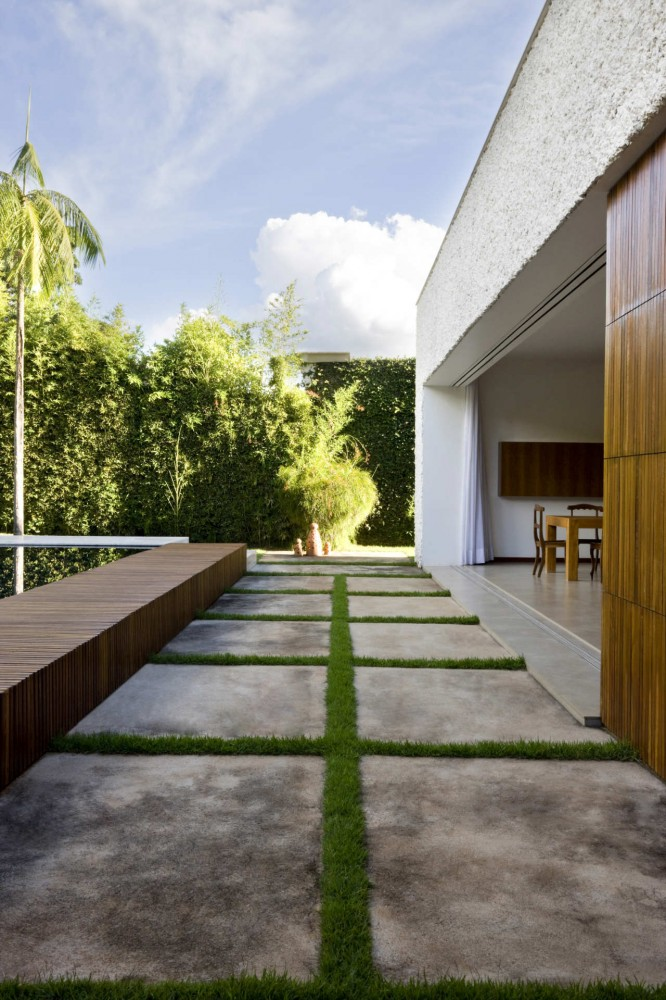 House 8 / Atria Arquitetos
