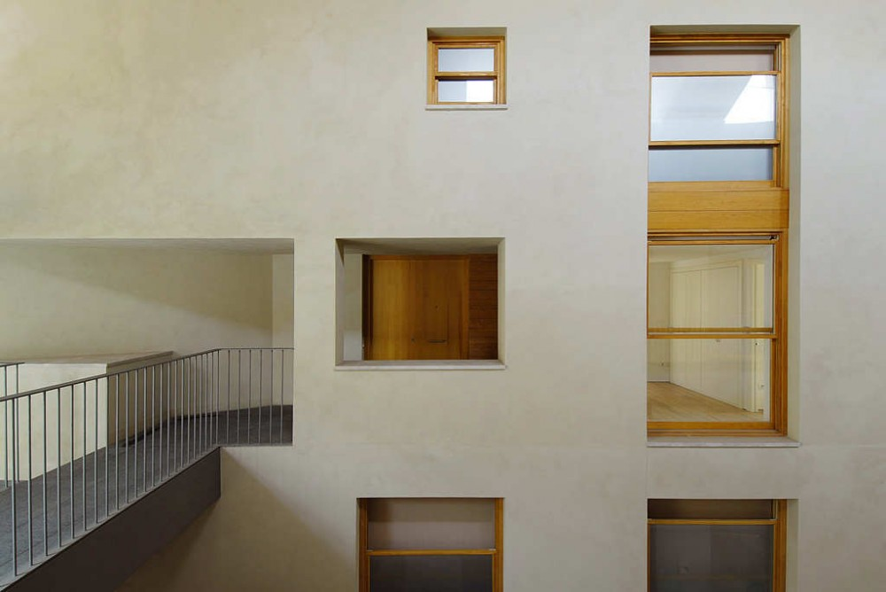 Sabadell Housing Renovation / Cruz y Ortiz Arquitectos