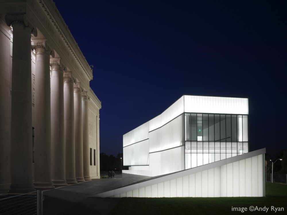 Holl to design MFAH