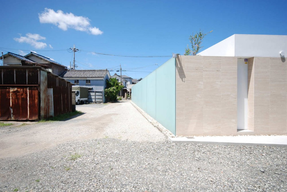Horizon Roof House / Shinichi Ogawa & Associates