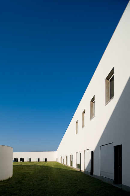 School Of Music In Lisbon / Joo Lus Carrilho da Graa