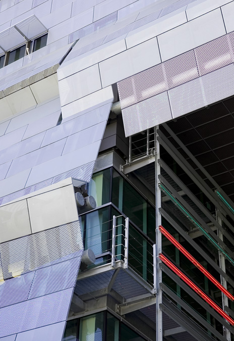 Flashback: Caltrans District 7 Headquarters / Morphosis