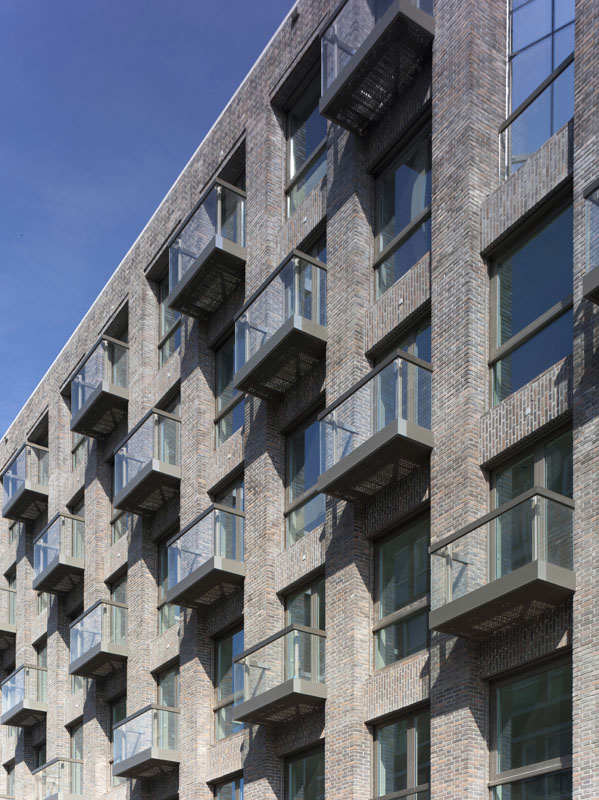 Solid 11 / Tony Fretton Architects