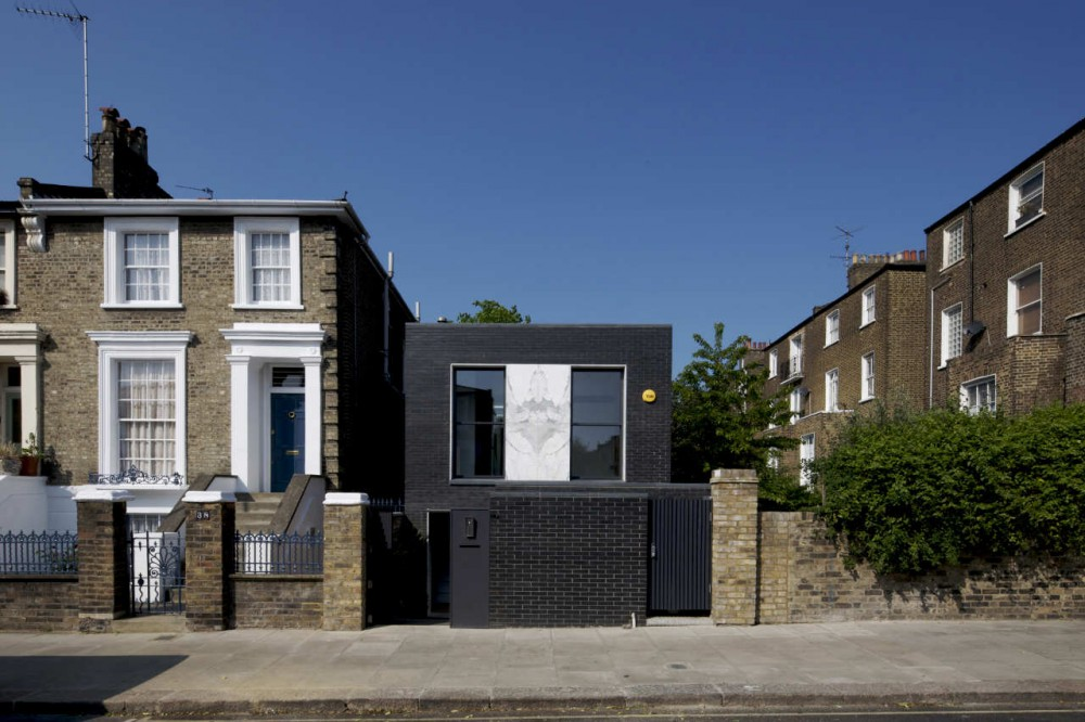 The Shadow House / Liddicoat &amp; Goldhill
