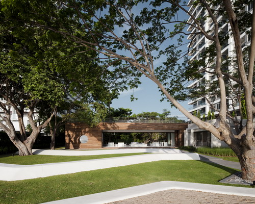 Baan San Kraam Sales Office / Somdoon Architects