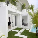 Lovelli Residence / Word Of Mouth Architecture © Moch Sulthonn