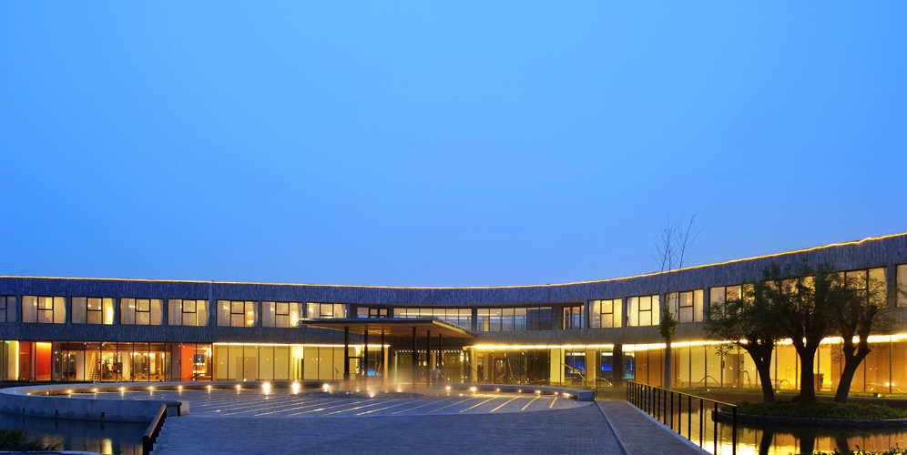 Ming-Tang Hot Spring Resort / CT Design