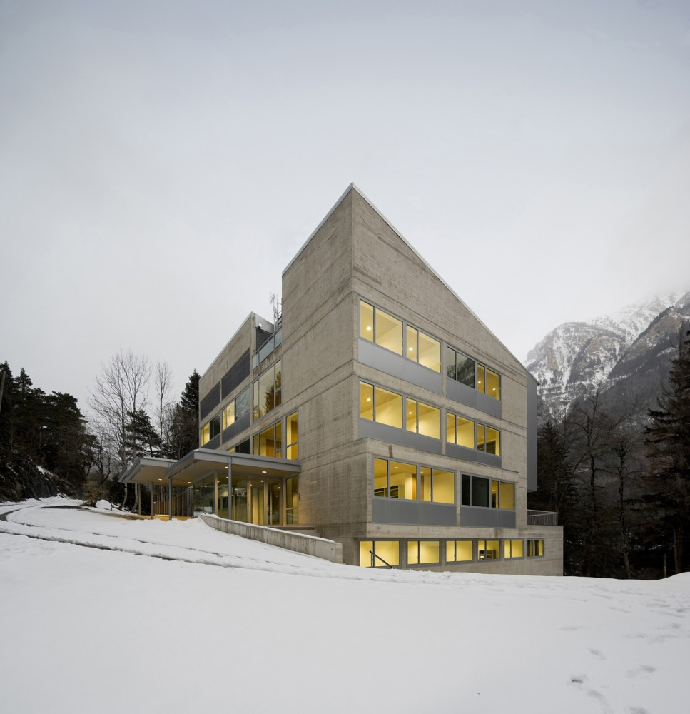 Laboratory Canfranc / Basilio Tobas