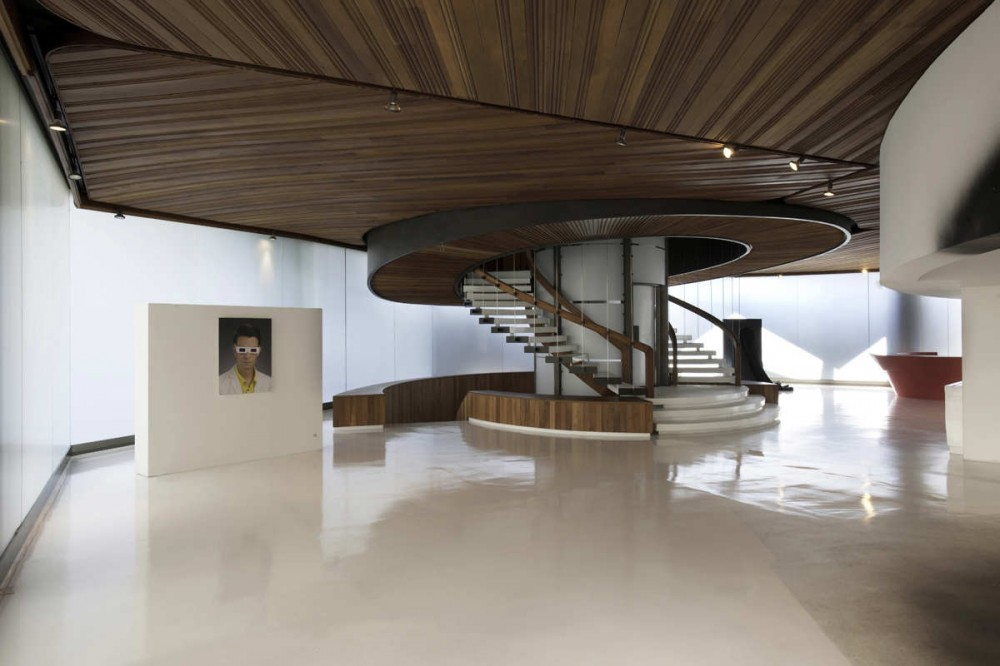 Polyforum Siqueiros Galleries / BNKR Arquitectura