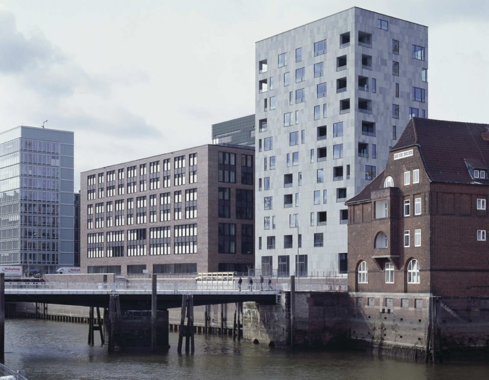 Hamburg Brooktorkai / Antonio Citterio Patricia Viel and Partners