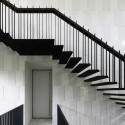 Black &amp; White House / Formwerkz Architects  Jeremy San