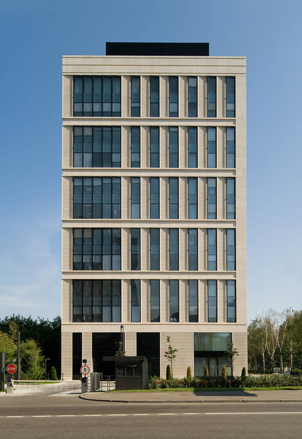 Architecture photography office building on leninsky for Building arch design images