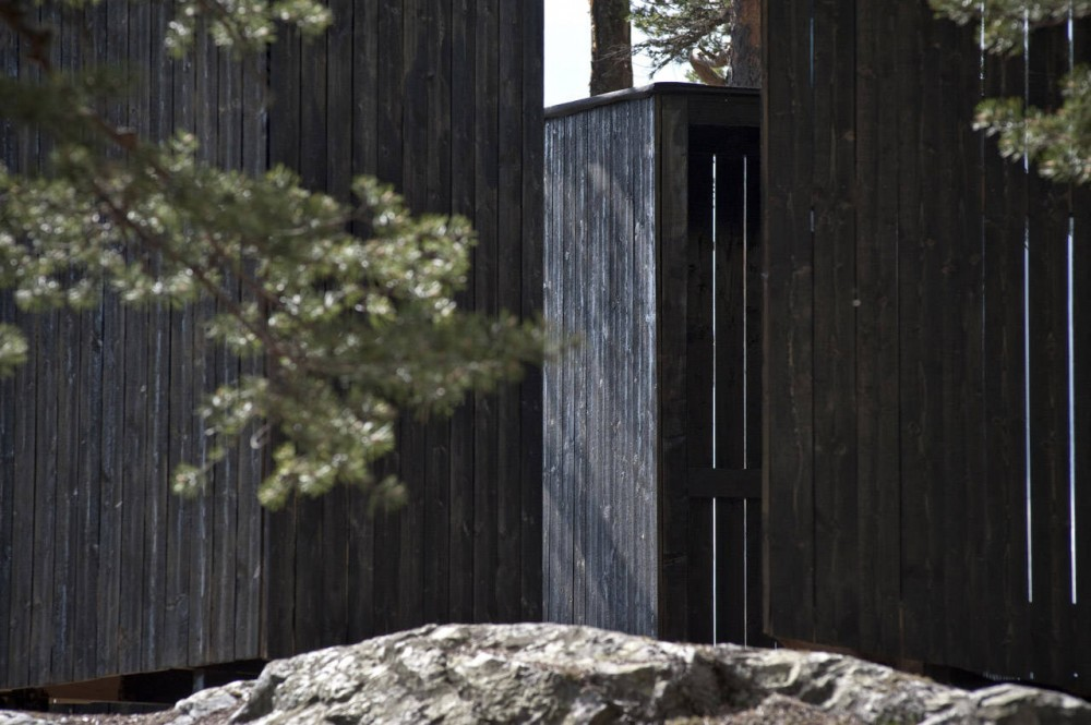 Into The Landscape / Rintala Eggertsson Architects