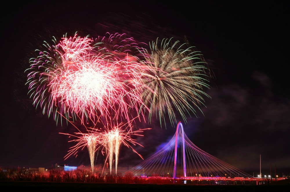 Thousands celebrate Santiago Calatrava&#8217;s new Dallas Bridge