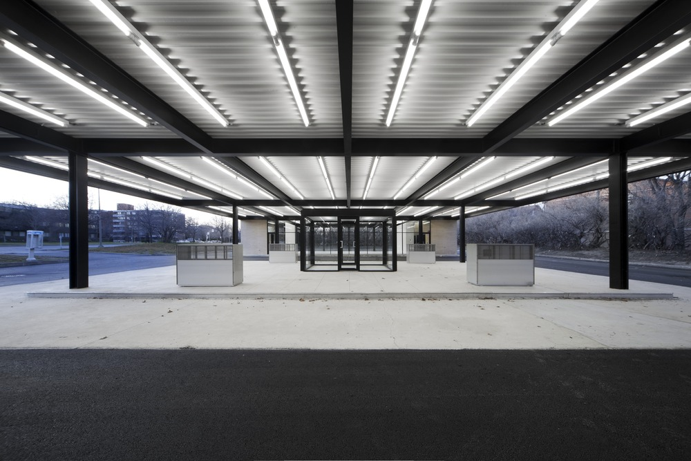 Conversion of Mies van der Rohe Gas Station / Les Architectes FABG