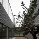 Photovoltaic Fabric and Offices / Quadrante Arquitectura © FG+SG