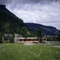 Fire Station And Mountain Rescue Building / Dietrich Untertrifaller Stäheli Architekten © Bruno Klomfar
