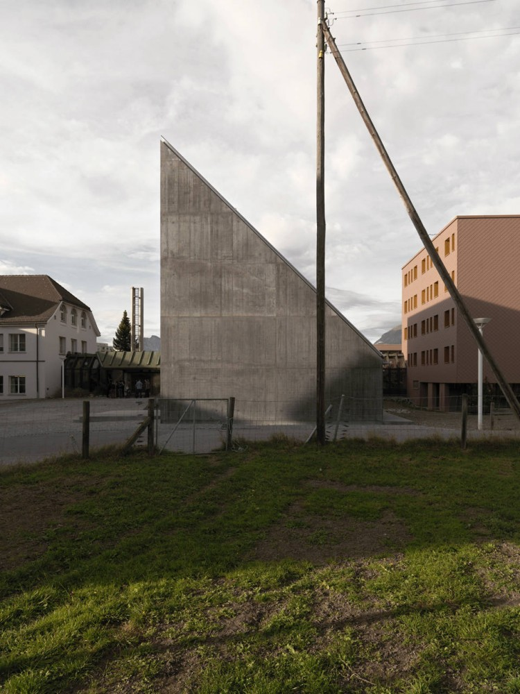 Plantahof Auditorium / Valerio Olgiati