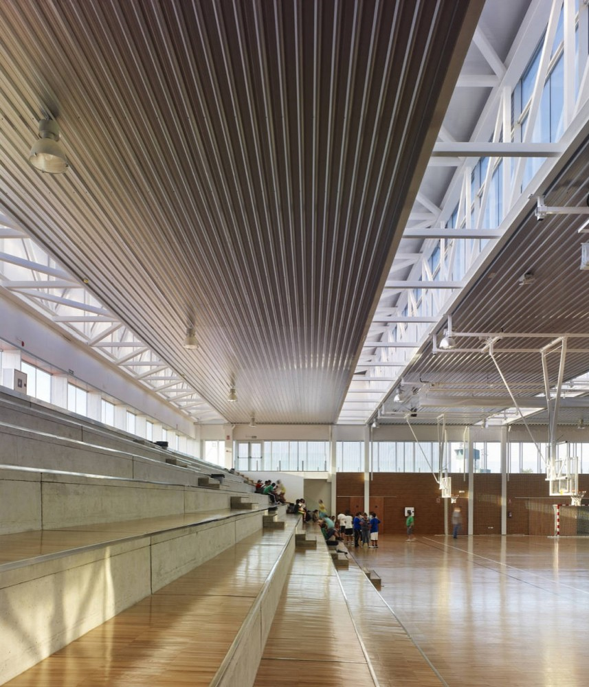 Arteixo Sport Center / Jose Ramon Garitaonaindia de Vera