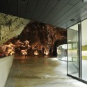 Exhibition and Retail Pavillion in the Concert Hall in the Postojna Cave / Studio Stratum (4) © Miran Kambič