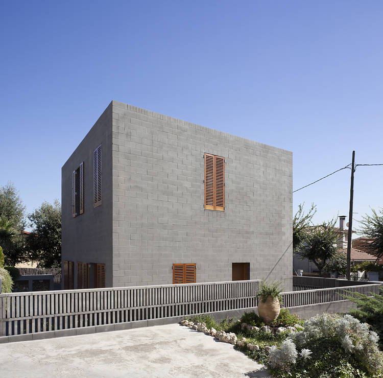 House 804 / H Arquitectes
