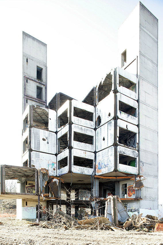 Claude Prouvs recently demolished Experimental Building of SIRH