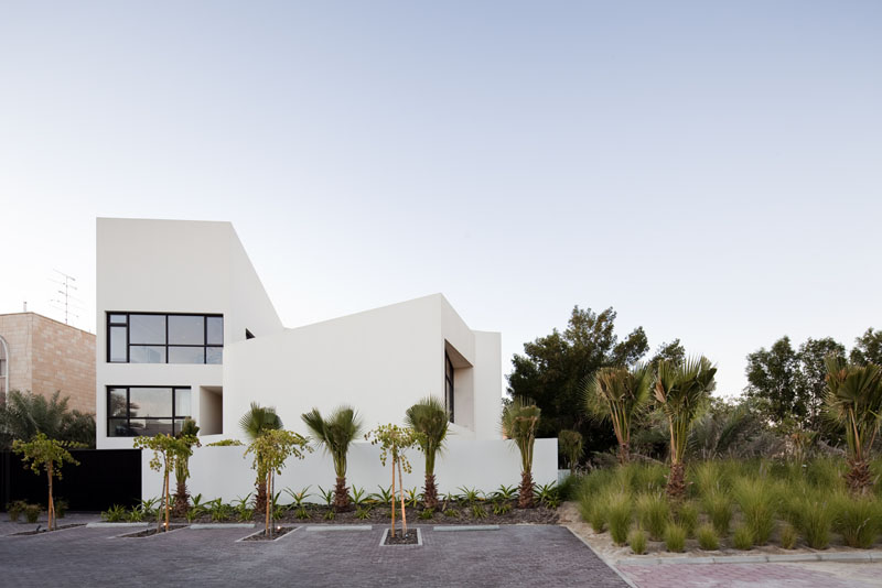 MOP House / AGI Architects