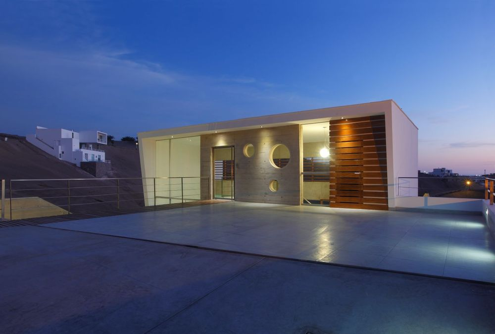 Beach House E-3 / Vrtice Arquitectos