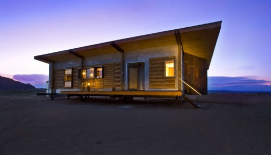 The 100 Mile House: Innovative 'Locatat' or Just Plain Loca?