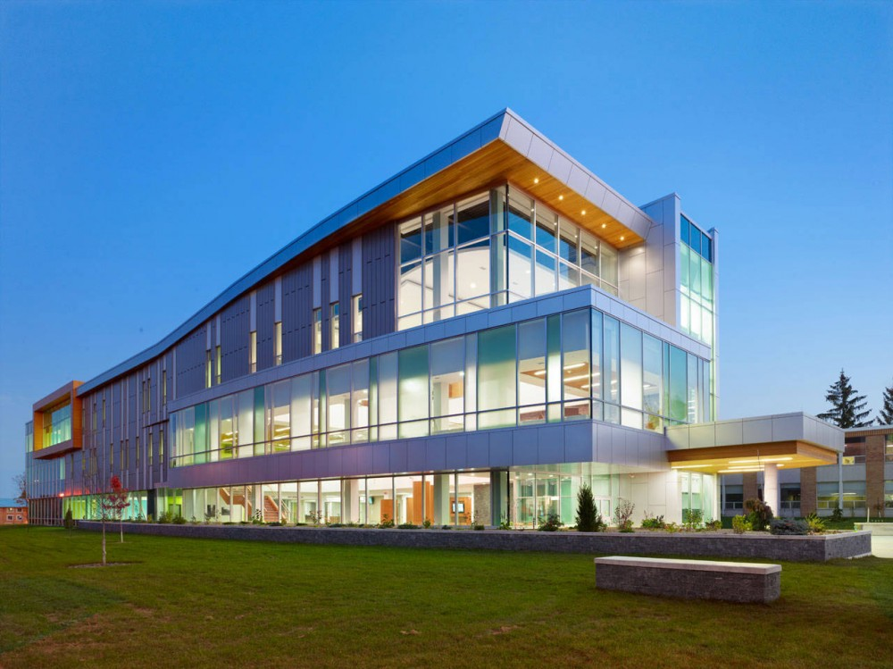 Sault College Academic Building / Architects Tillmann Ruth Robinson