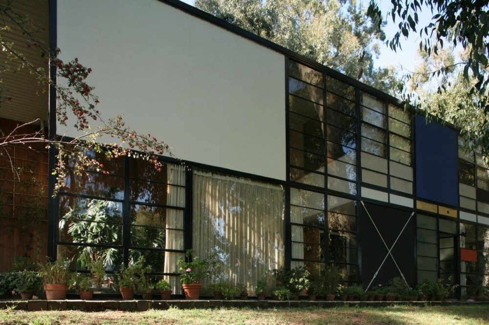 Back to Conservi   Eames House Exterior