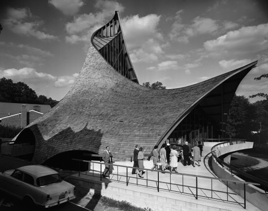 United Church of Rowayton, Joseph Salerno Architect, 1962, Rowayton, CT © Pedro E. Guerrero, Courtesy Edward Cella Art+Architecture
