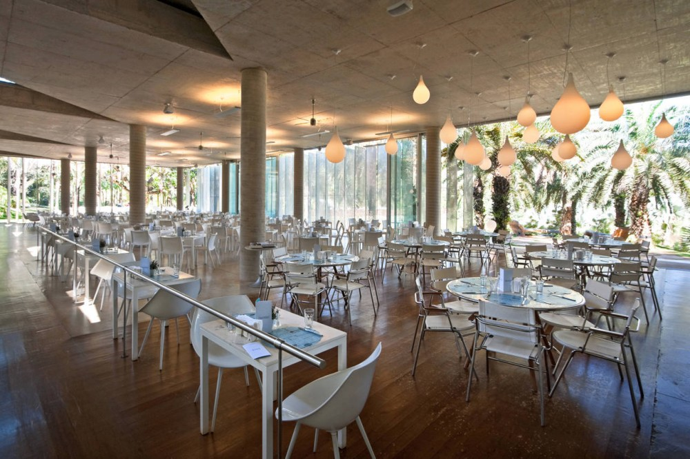 Oiticica Restaurant / Rizoma