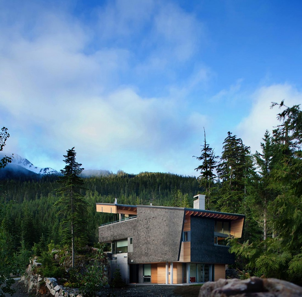 Whistler Residence / BattersbyHowat Architects