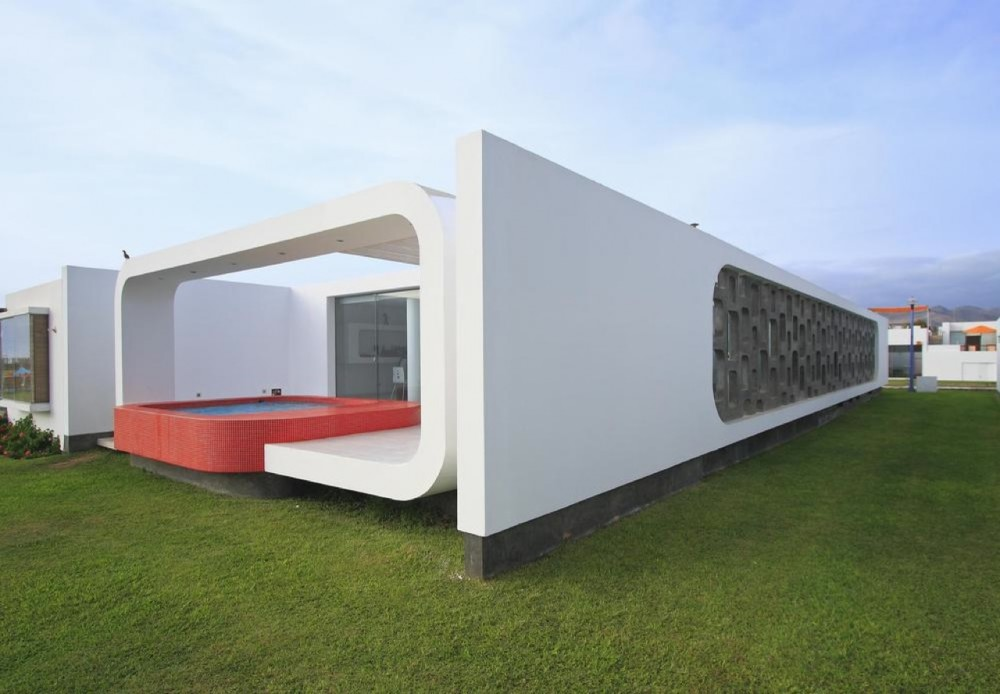 House in Beach Palabritas / Metropolis