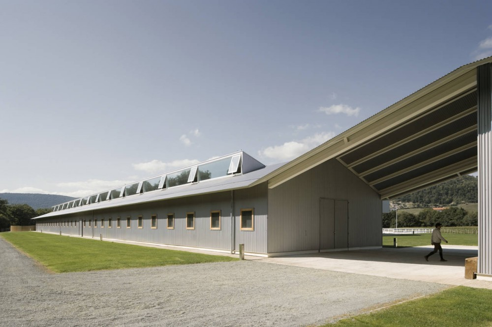 Elite Equestrian Center / Francisco Mangado