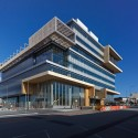 Dandenong Government Services Offices / Hassell  Peter Bennetts